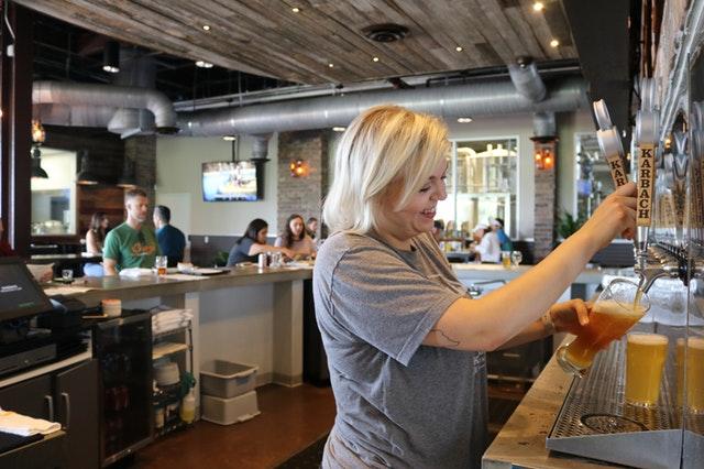 alcoholic-beverage-bar-bartender-1267304